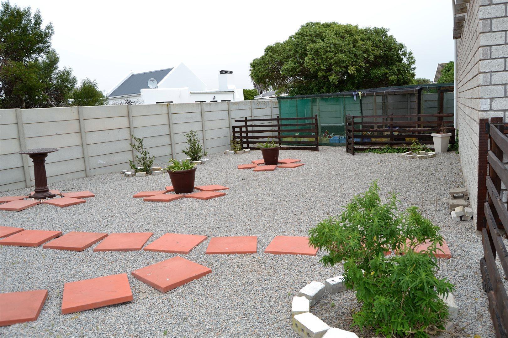 Britannia Bay property for sale. Ref No: 13539081. Picture no 35