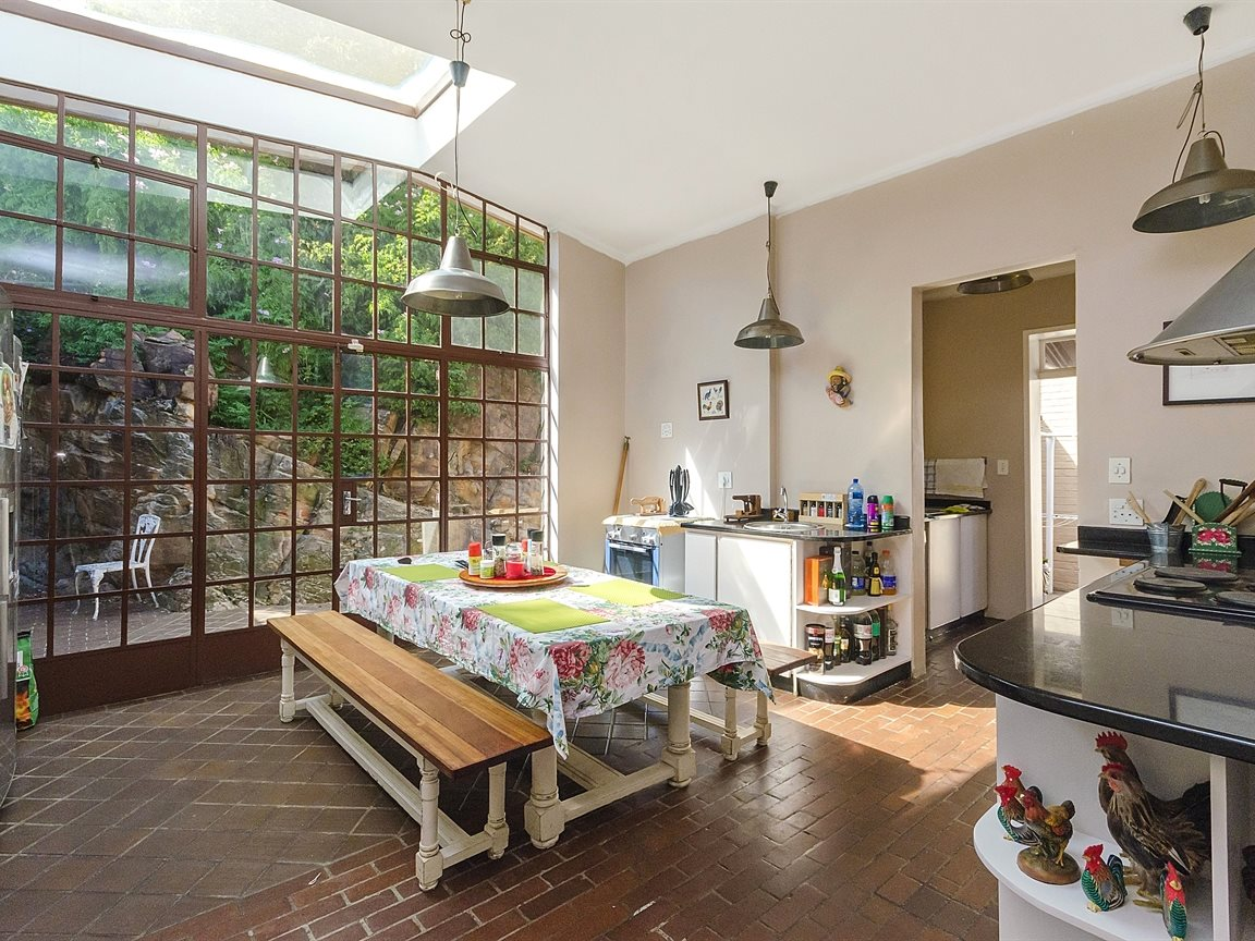 Houghton Estate property for sale. Ref No: 13434554. Picture no 8