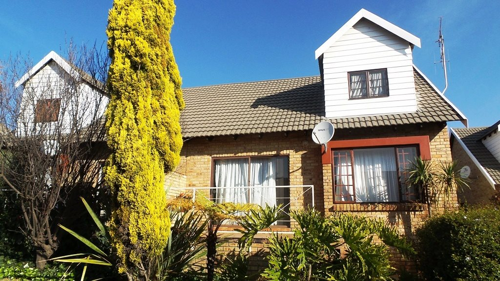 Krugersdorp, Monument Property  | Houses For Sale Monument, Monument, Apartment 3 bedrooms property for sale Price:930,000