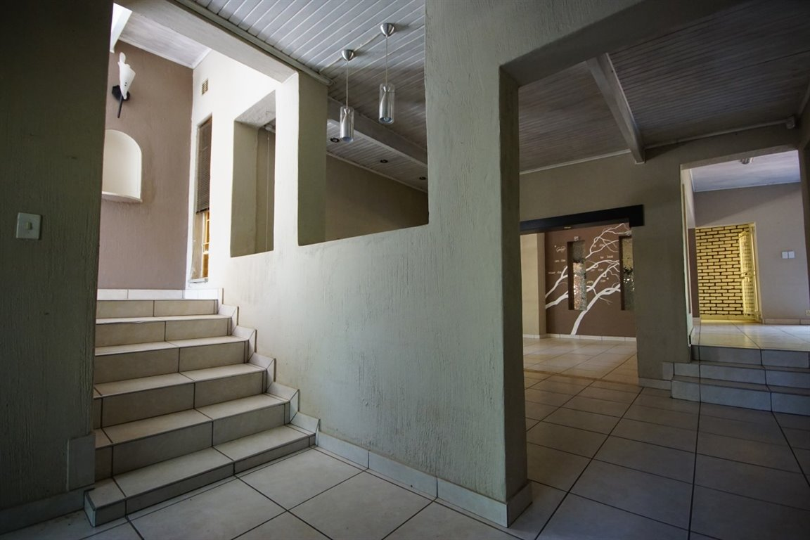 Three Rivers East property for sale. Ref No: 12734571. Picture no 5