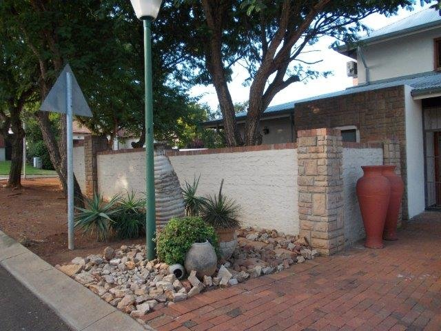 Property and Houses to rent in Gauteng, House, 3 Bedrooms - ZAR , 17,00*,M