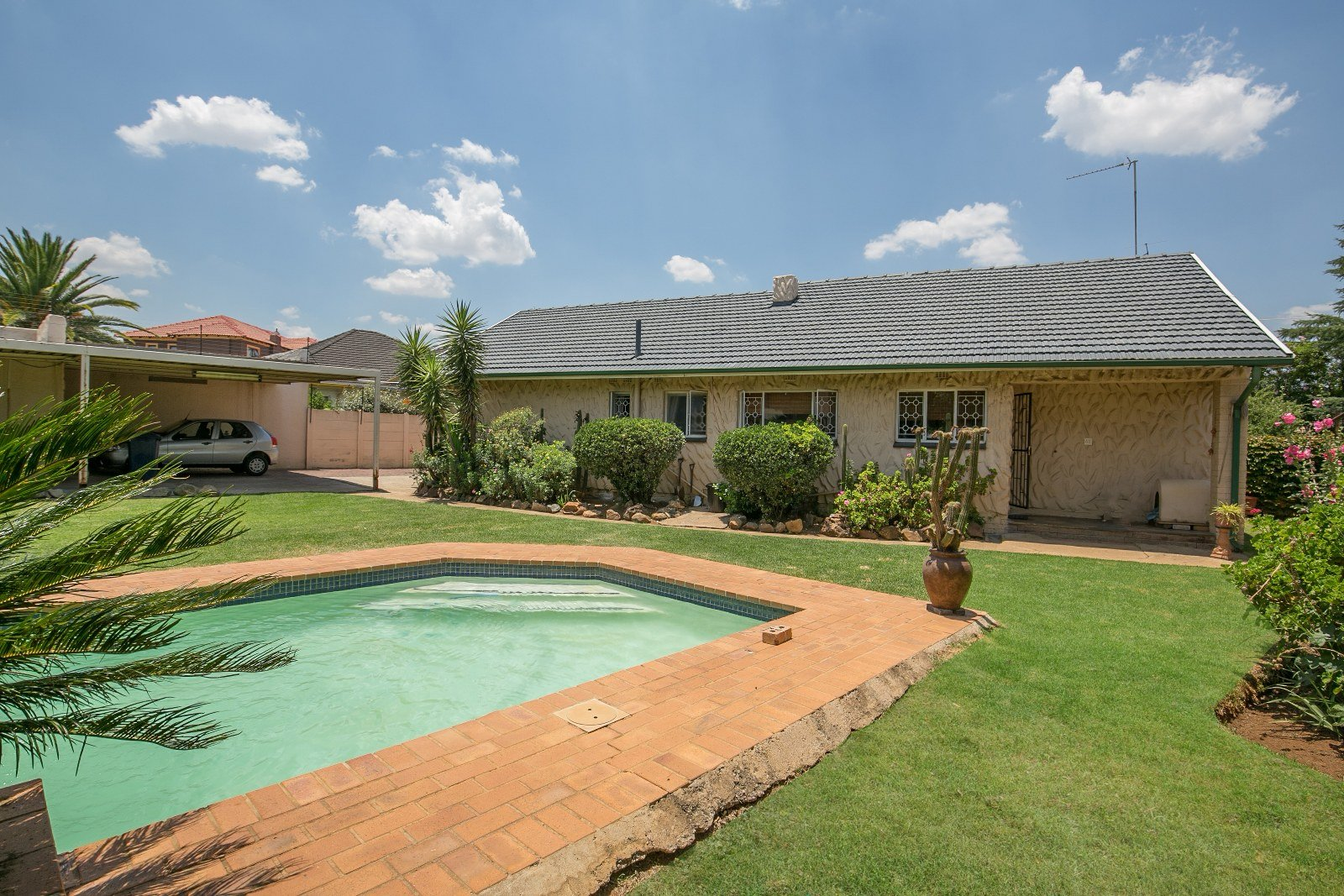 Kibler Park property for sale. Ref No: 13575960. Picture no 17