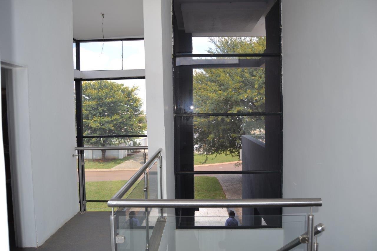 Midstream Hill Estate property for sale. Ref No: 13584239. Picture no 21