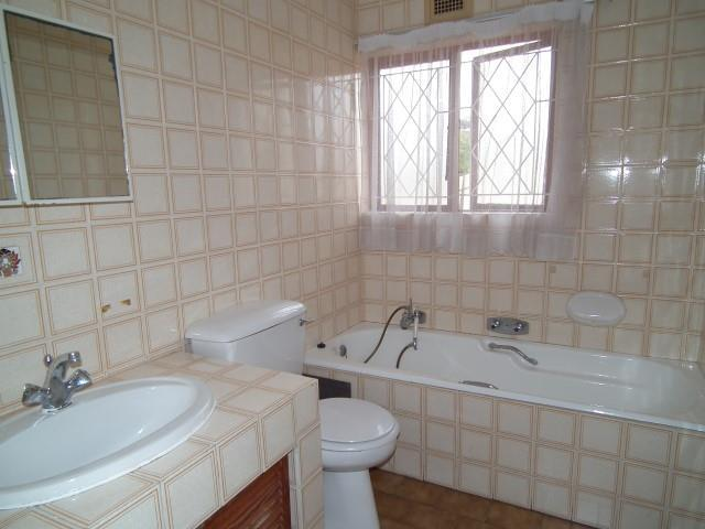 Ramsgate property for sale. Ref No: 13438757. Picture no 16