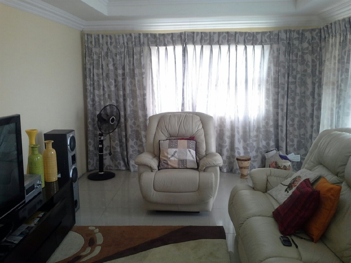 Three Rivers East property for sale. Ref No: 13276344. Picture no 2
