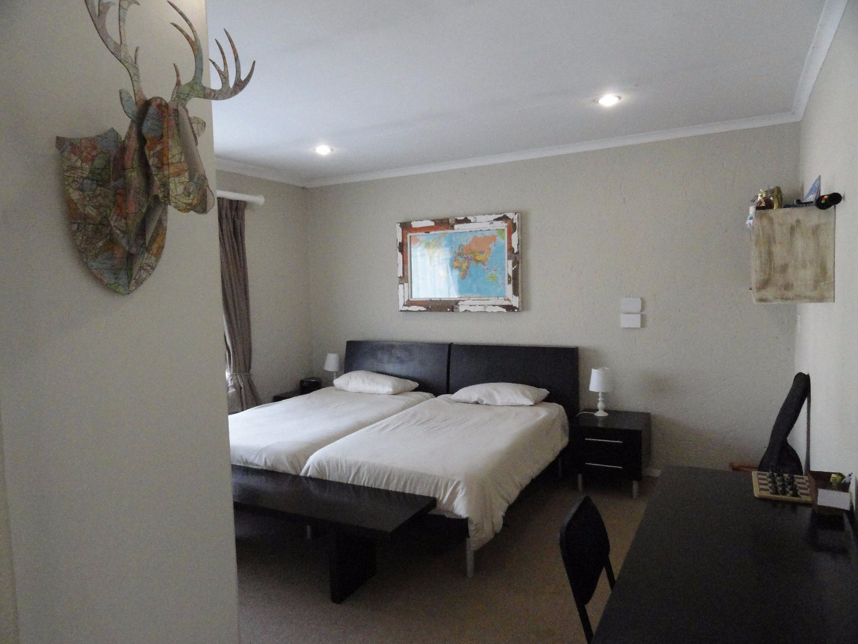 Silver Lakes Golf Estate property for sale. Ref No: 13489157. Picture no 23