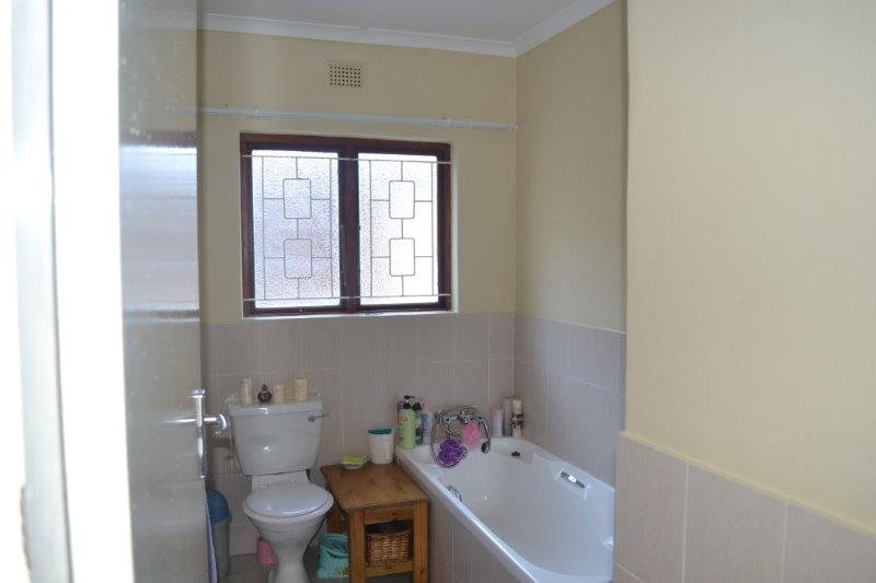 Uvongo property for sale. Ref No: 13229892. Picture no 4