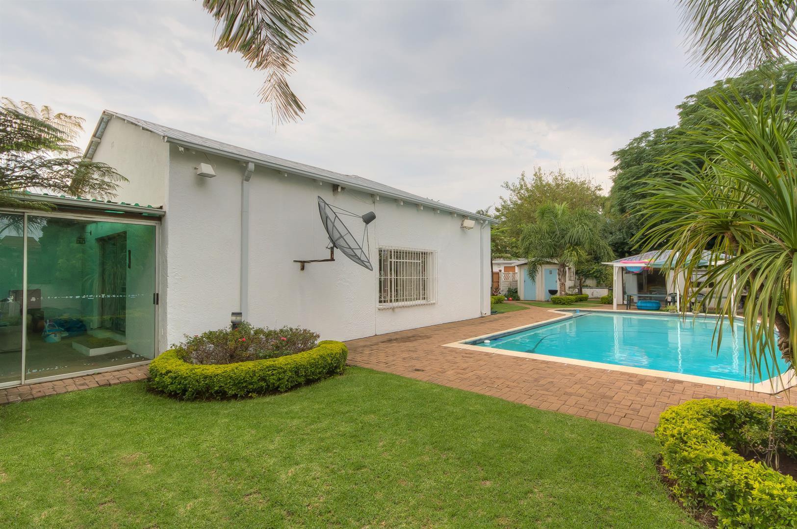 Johannesburg, Sydenham Property  | Houses For Sale Sydenham, Sydenham, House 6 bedrooms property for sale Price:3,690,000