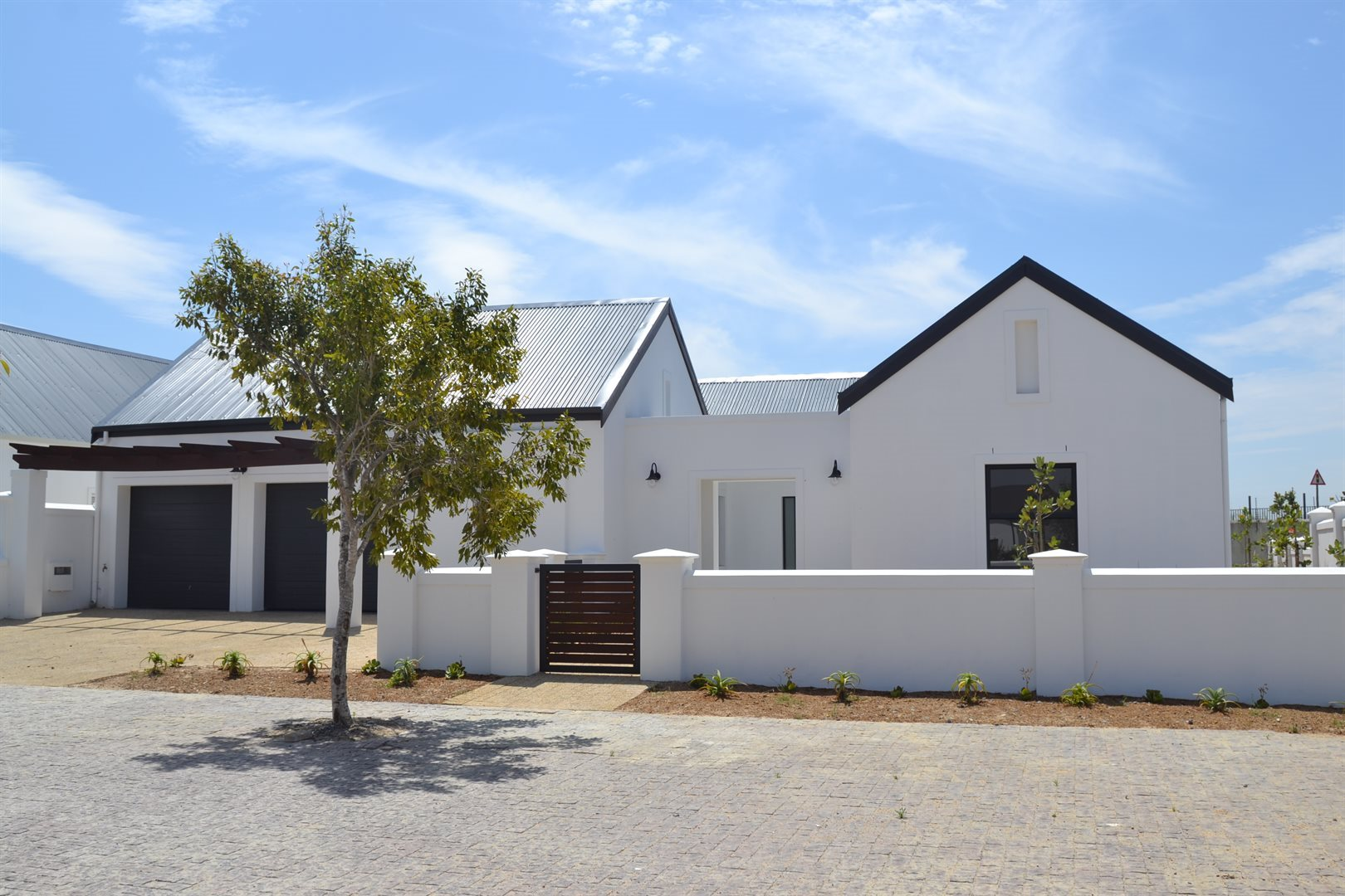 Property and Houses for sale in Croydon Olive Estate, House, 4 Bedrooms - ZAR 4,450,000