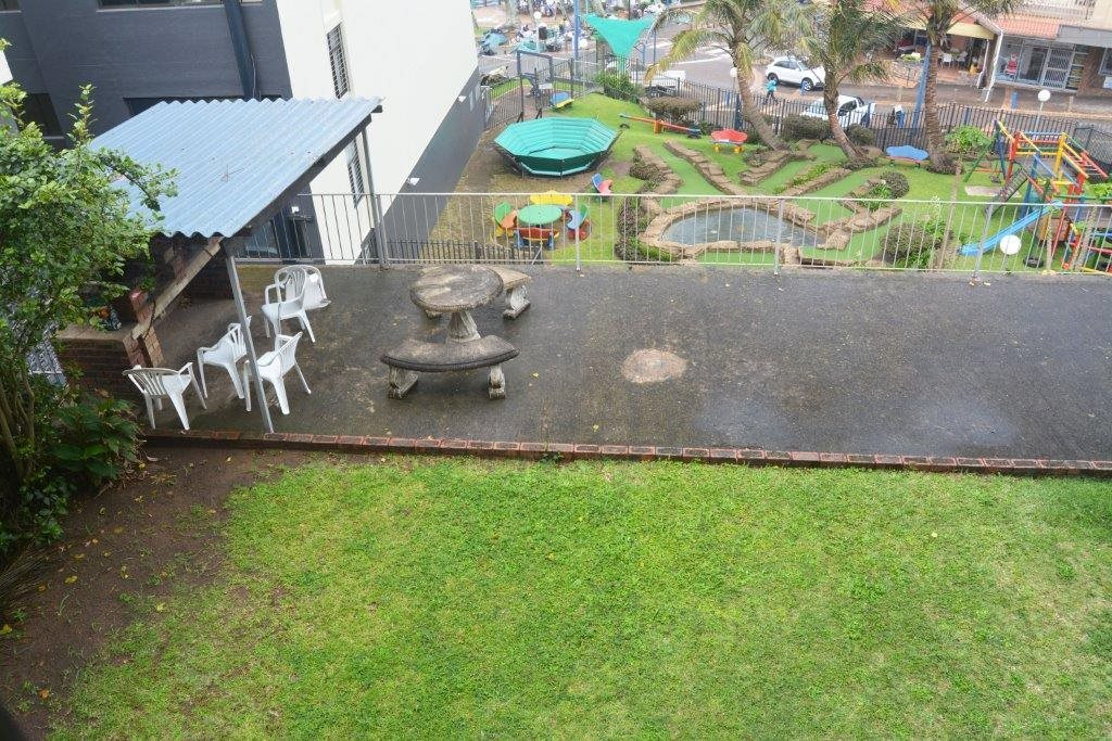 Margate property for sale. Ref No: 13567447. Picture no 10