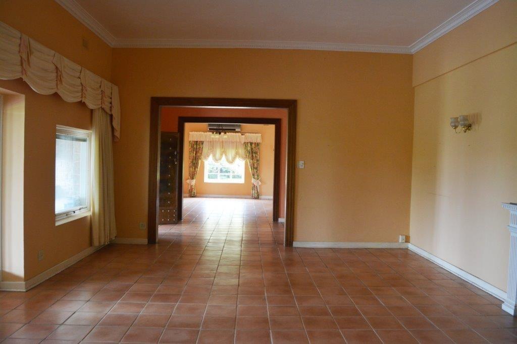 Woodgrange property for sale. Ref No: 13413908. Picture no 13