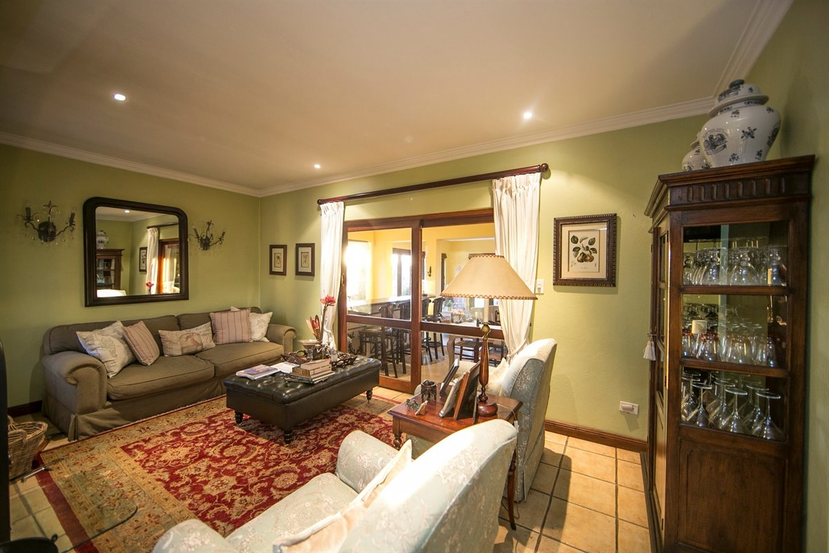 Fourways property for sale. Ref No: 13450350. Picture no 8