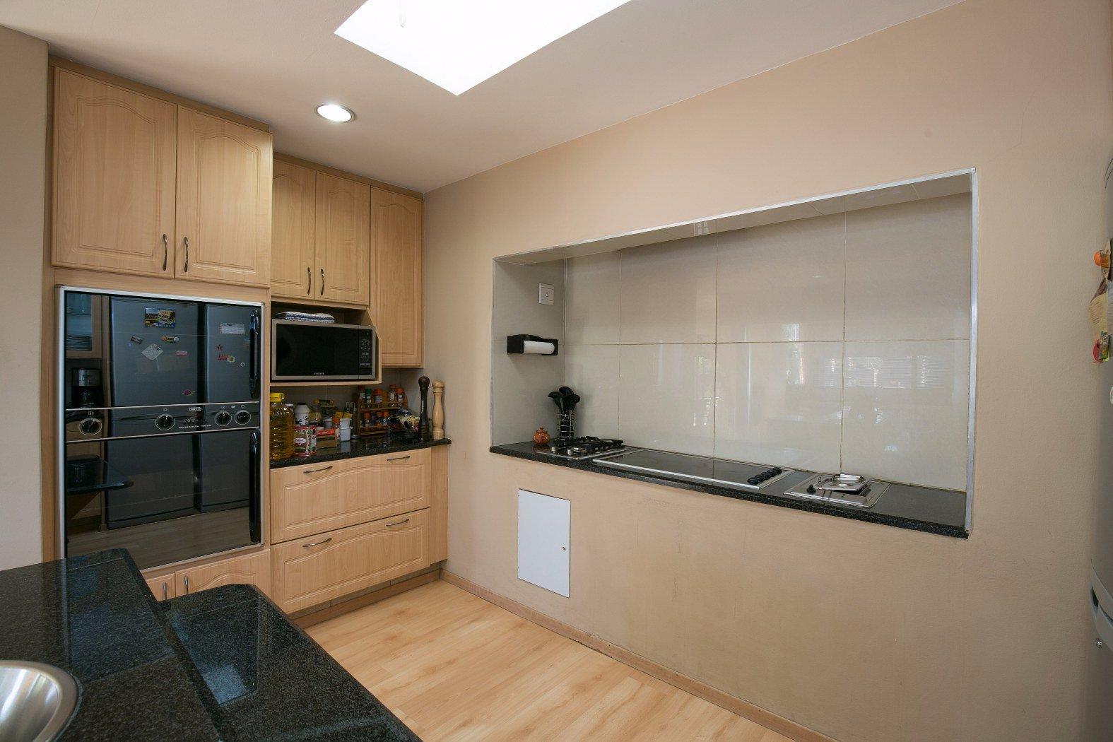 Bassonia property for sale. Ref No: 13506595. Picture no 17