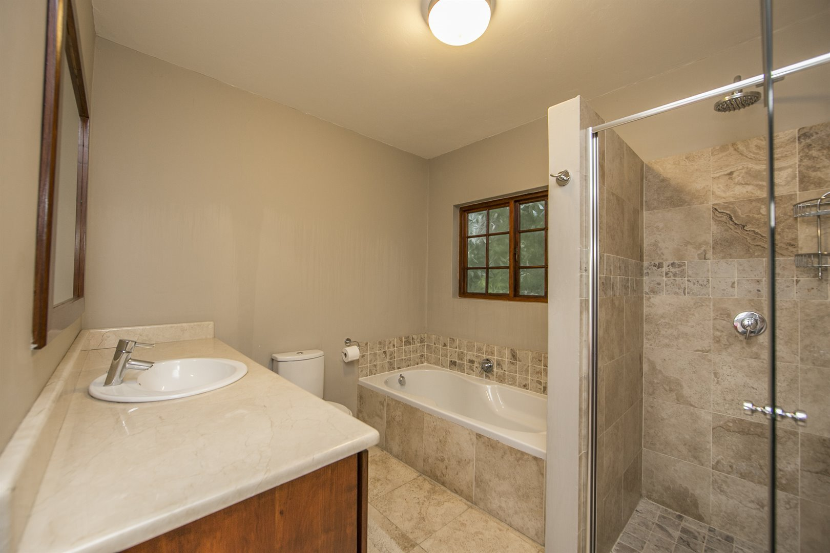 Lonehill property for sale. Ref No: 13482733. Picture no 13