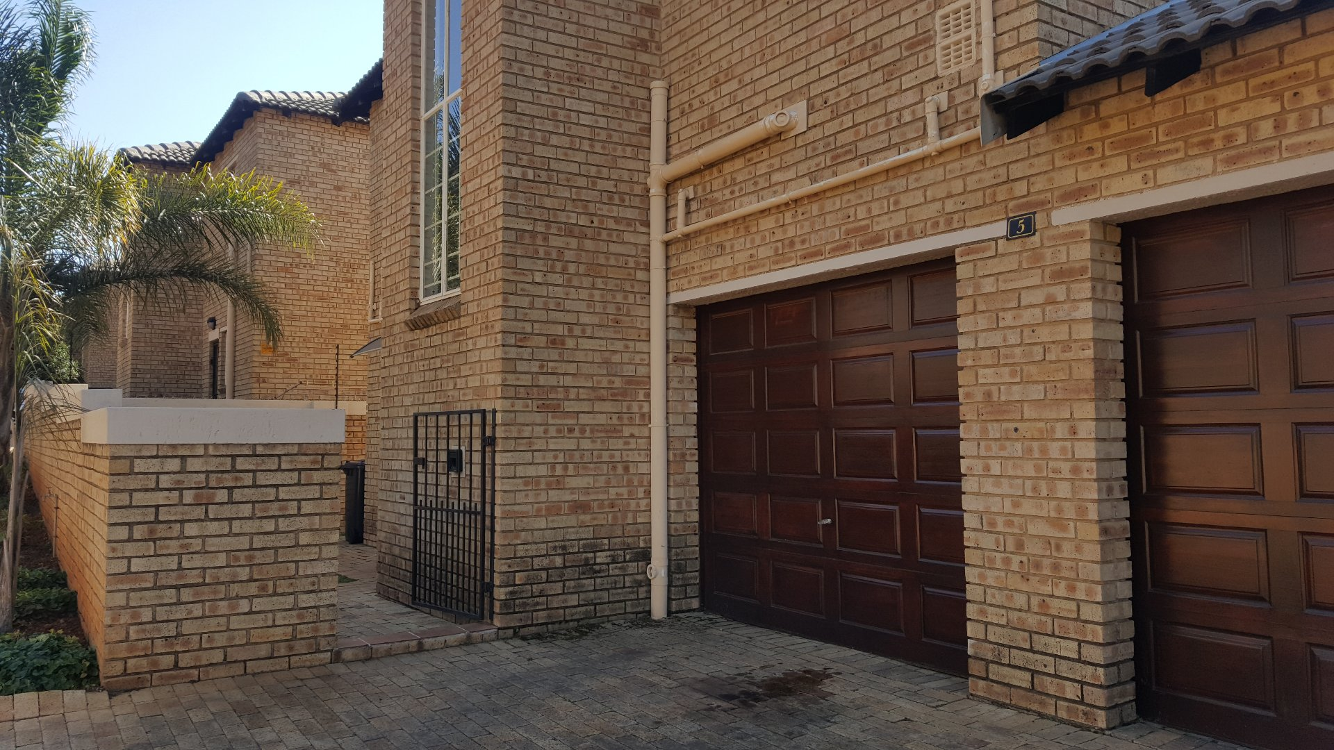 Roodepoort, Willowbrook Property  | Houses For Sale Willowbrook, Willowbrook, Apartment 3 bedrooms property for sale Price:1,300,000