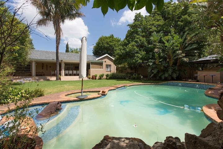 Randburg, Fontainebleau Property    Houses For Sale Fontainebleau, Fontainebleau, House 4 bedrooms property for sale Price:1,850,000