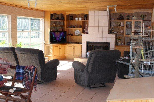 Unitas Park property for sale. Ref No: 12792390. Picture no 6
