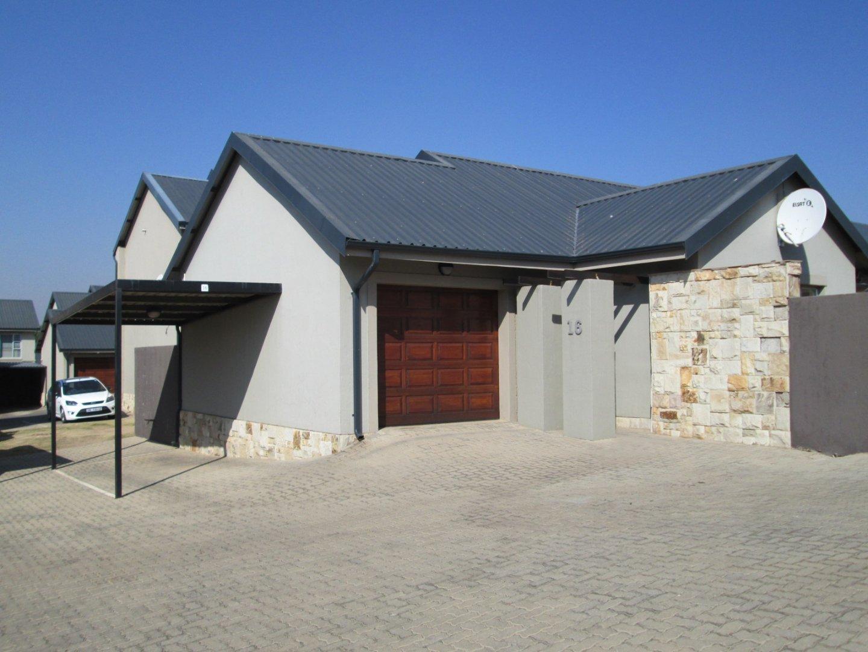 Alberton, Meyersdal Property  | Houses To Rent Meyersdal, Meyersdal, Townhouse 2 bedrooms property to rent Price:, 11,00*