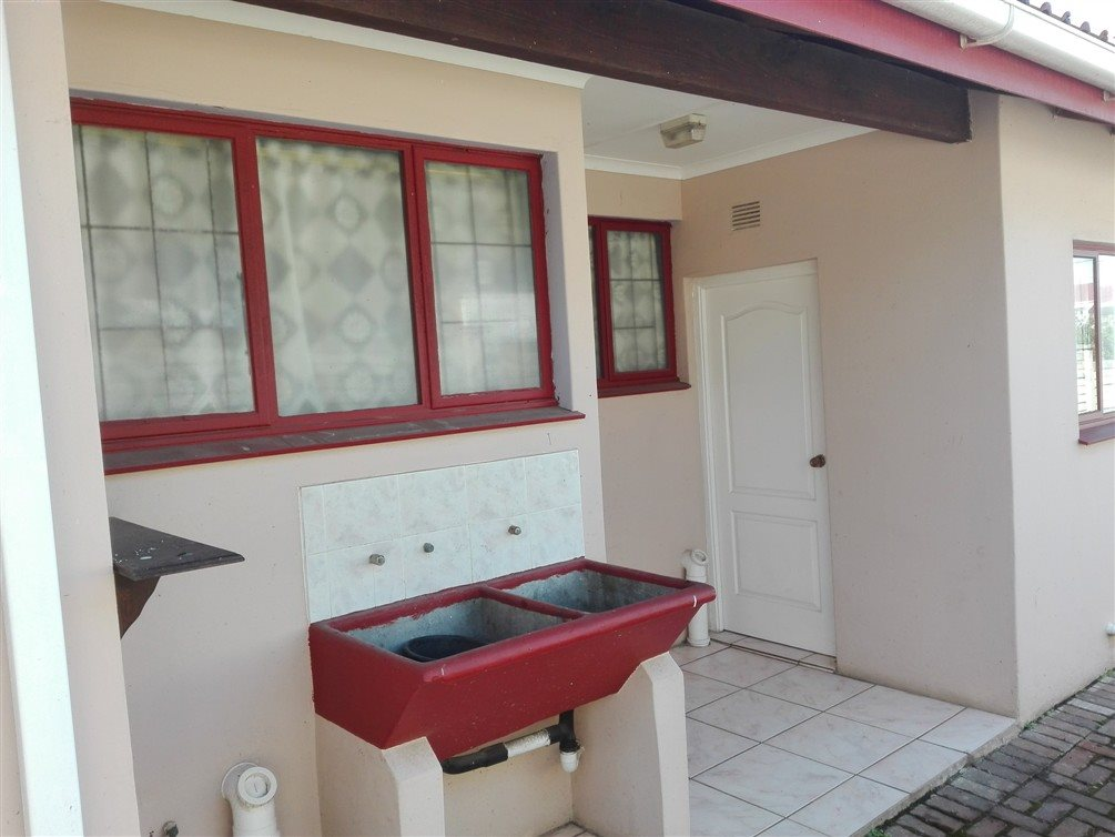 Uvongo property for sale. Ref No: 13360295. Picture no 10