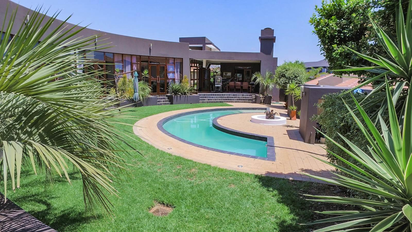 Midstream Estate property for sale. Ref No: 13435299. Picture no 7