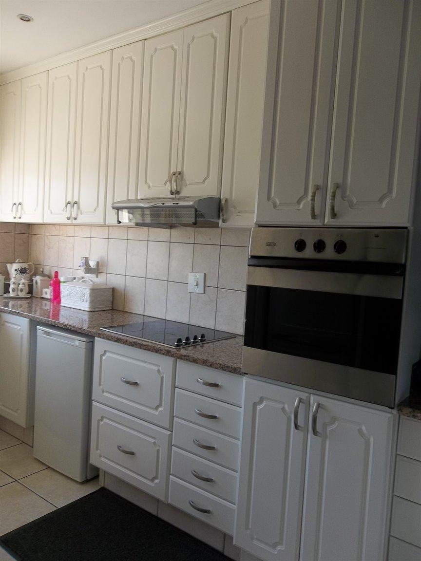 Amanzimtoti property for sale. Ref No: 13400263. Picture no 25