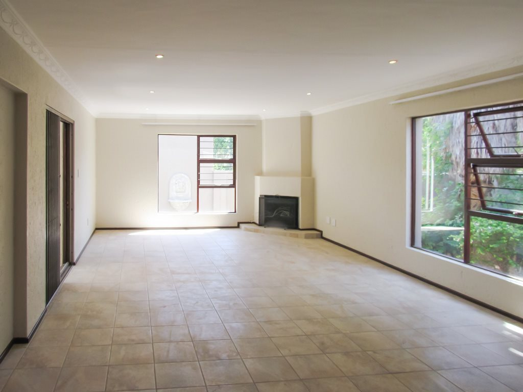 Lonehill property to rent. Ref No: 13553038. Picture no 3