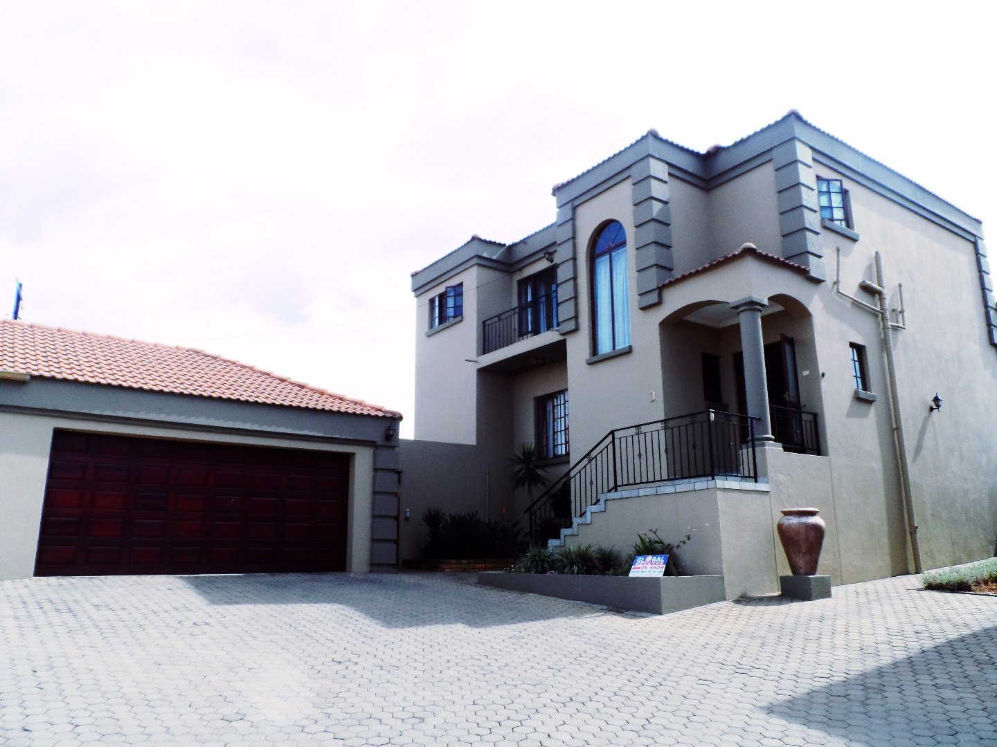 Roodepoort, Wilro Park Property  | Houses For Sale Wilro Park, Wilro Park, Townhouse 4 bedrooms property for sale Price:2,550,000