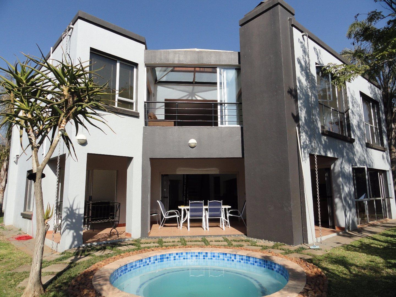 Pretoria, Silver Lakes Golf Estate Property  | Houses To Rent Silver Lakes Golf Estate, Silver Lakes Golf Estate, House 4 bedrooms property to rent Price:, 27,00*