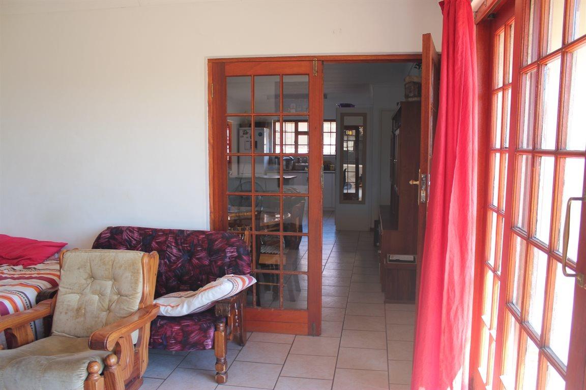 Vredenburg property for sale. Ref No: 13436335. Picture no 15