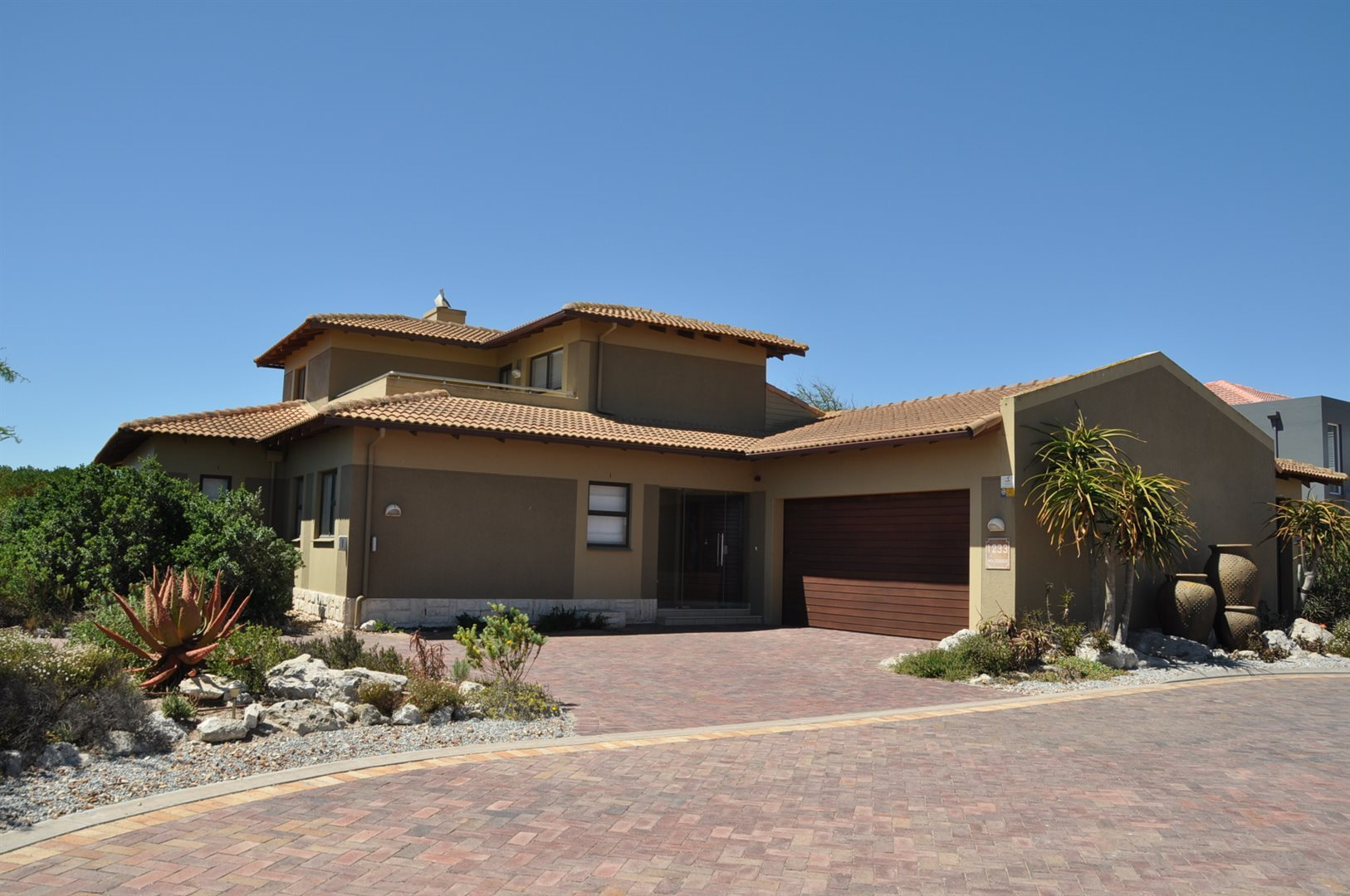Property and Houses for sale in Langebaan Country Estate, House, 4 Bedrooms - ZAR 4,670,000