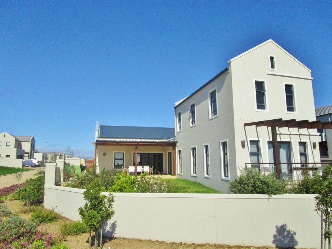 Property and Houses for sale in Kelderhof Country Village, House, 3 Bedrooms - ZAR 2,650,000