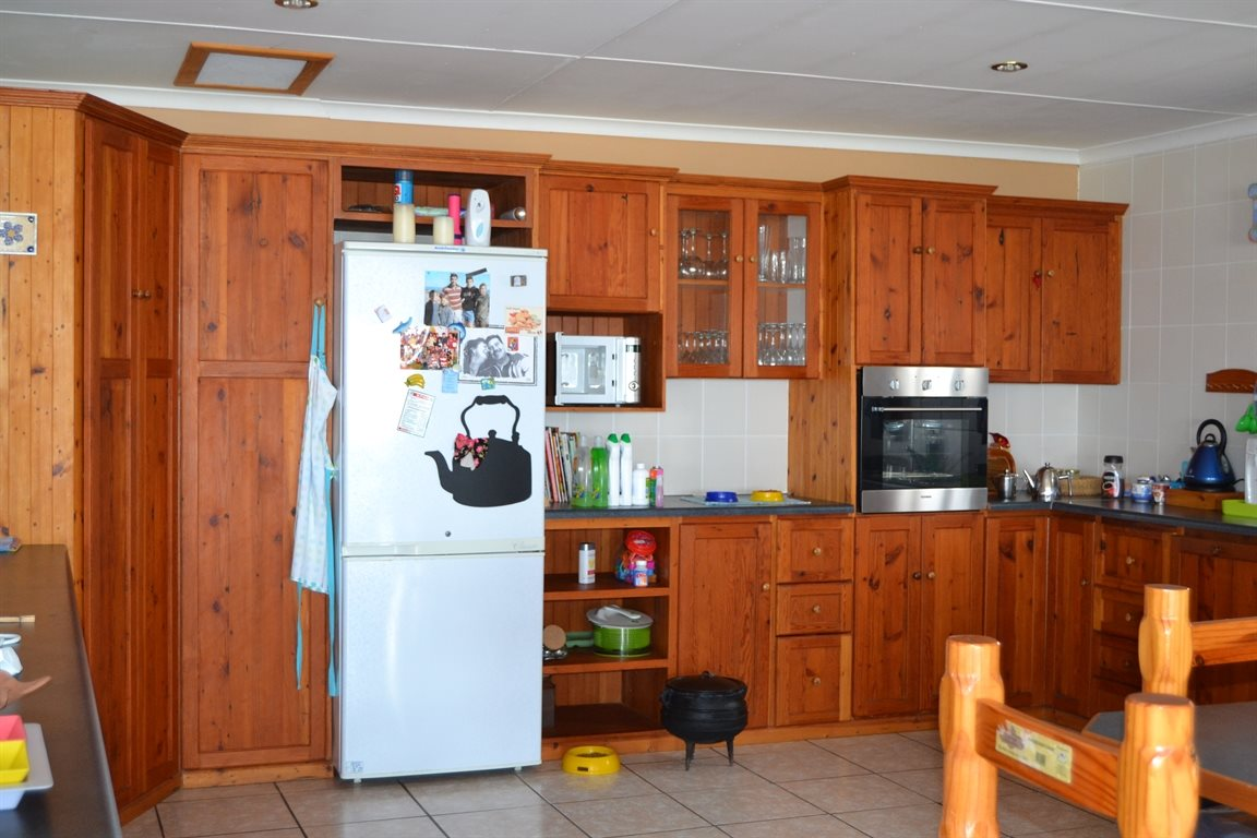 Lamberts Bay property for sale. Ref No: 13394487. Picture no 17