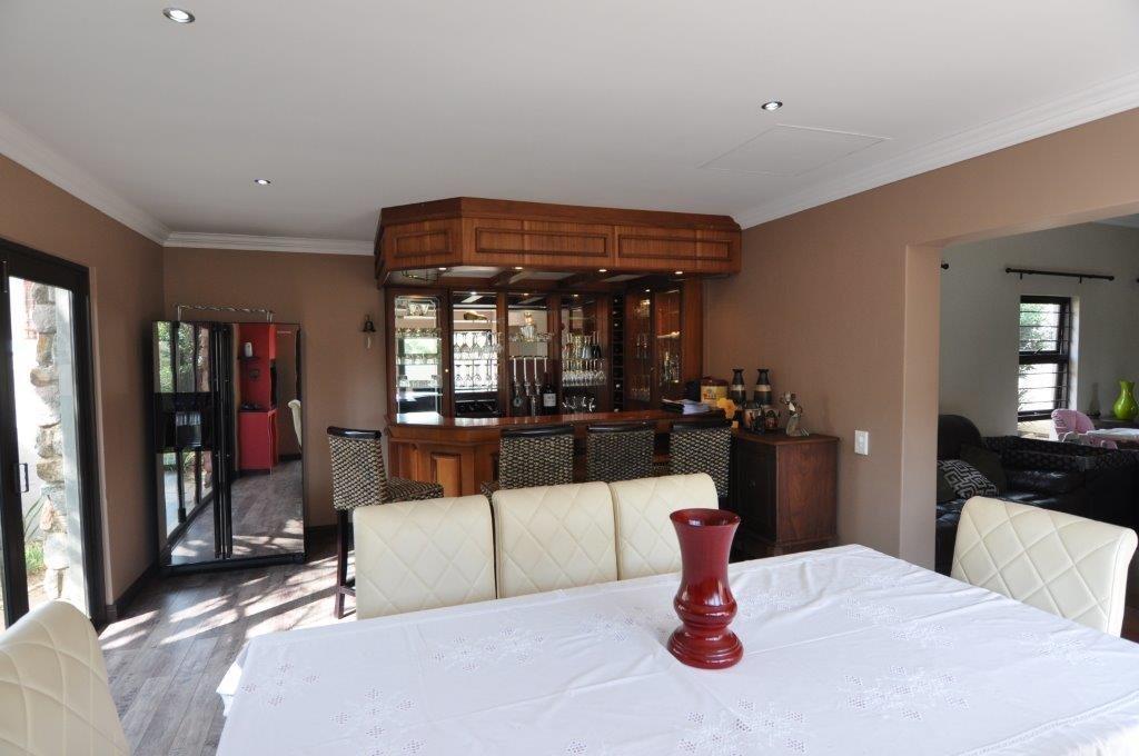 Broadacres property to rent. Ref No: 13503978. Picture no 4