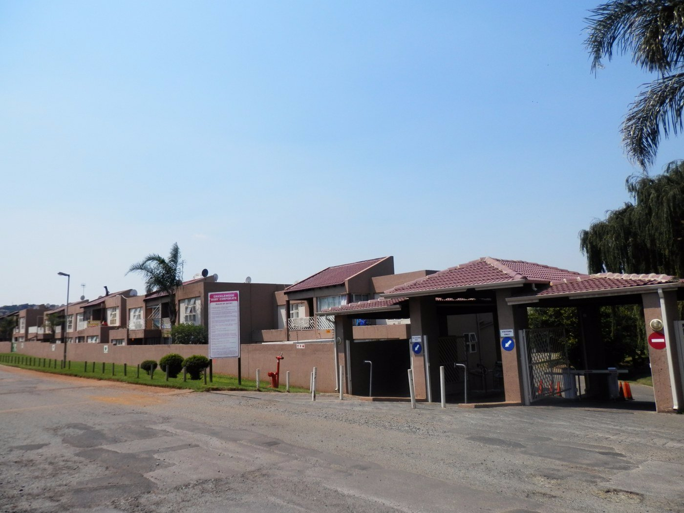 Property for Sale by Mitchell Pereira, Townhouse, 2 Bedrooms - ZAR 599,000