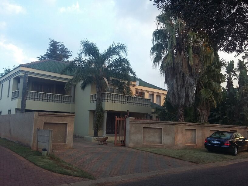 Property and Houses for sale in Chantelle, House, 5 Bedrooms - ZAR 2,000,000