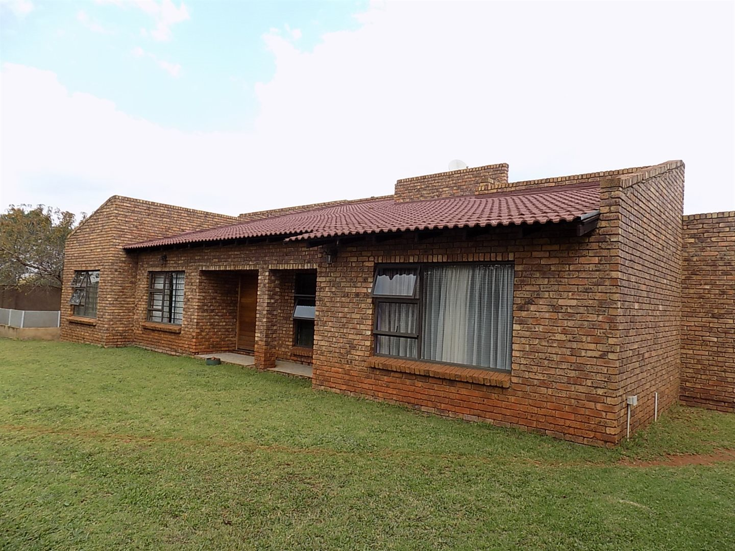 Withok Estate property for sale. Ref No: 13711217. Picture no 1