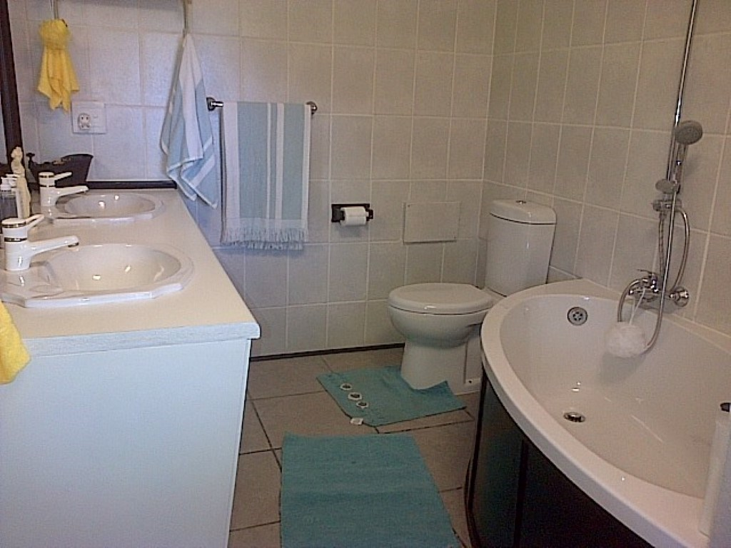 Ramsgate property for sale. Ref No: 12734531. Picture no 22