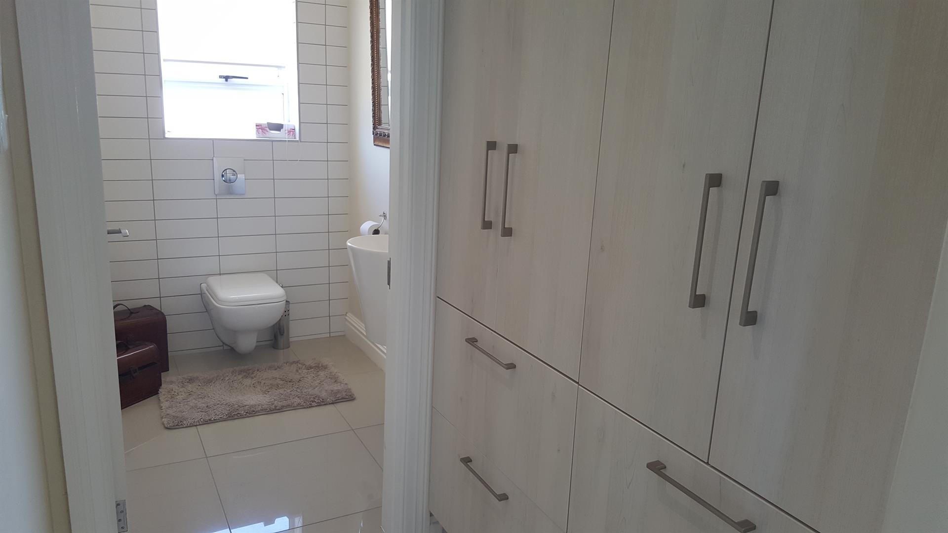 Yzerfontein property for sale. Ref No: 13454156. Picture no 25