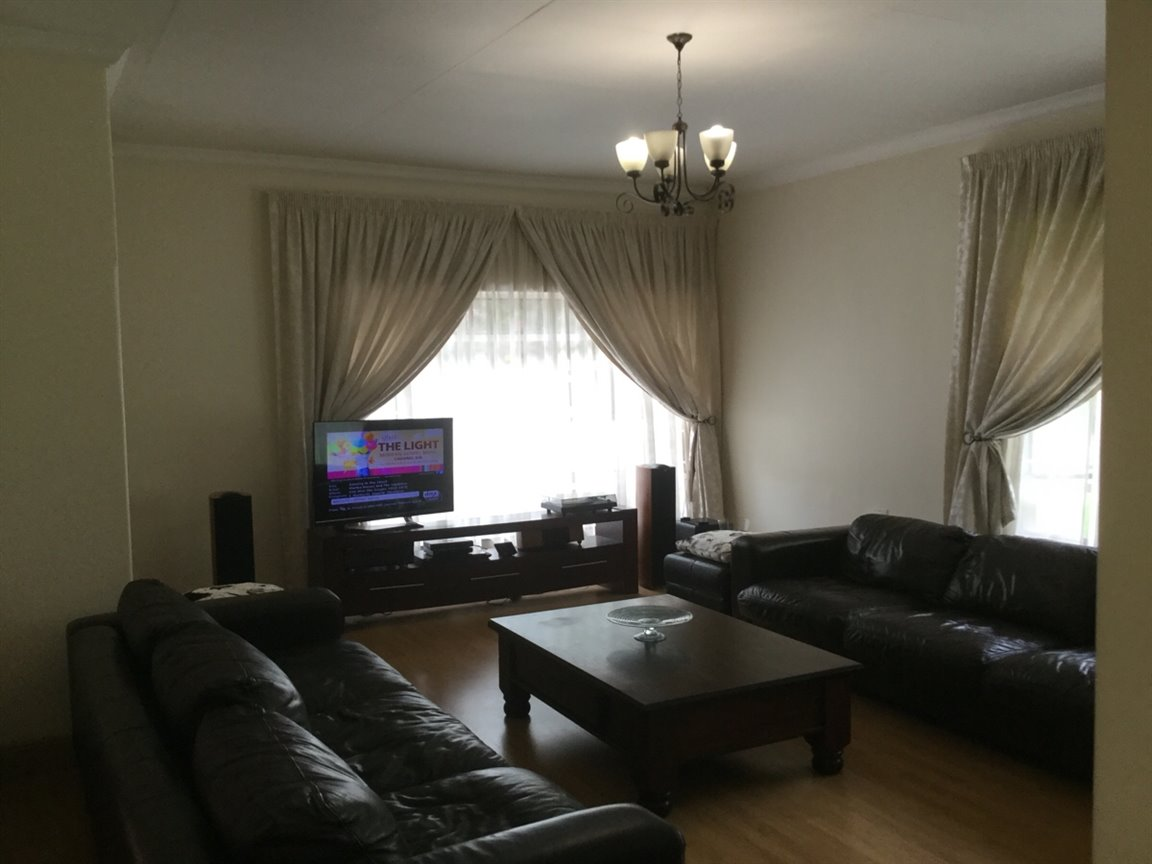 Three Rivers Proper property for sale. Ref No: 13297649. Picture no 4