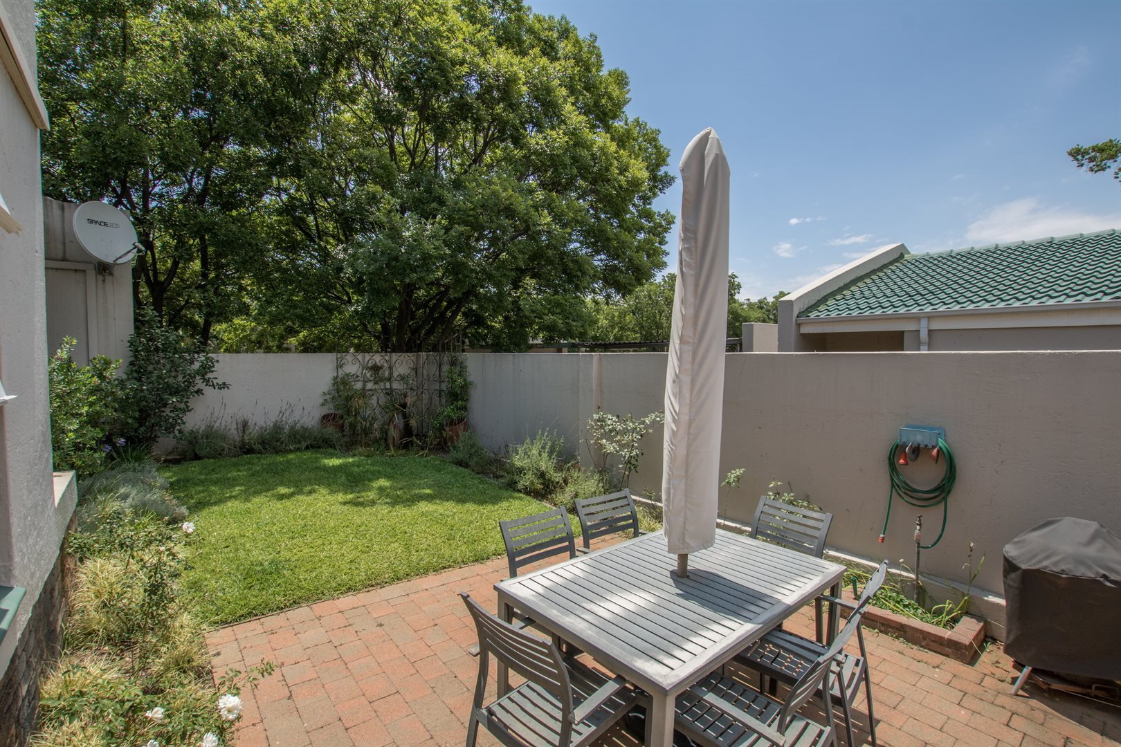 Lonehill property for sale. Ref No: 13566031. Picture no 13