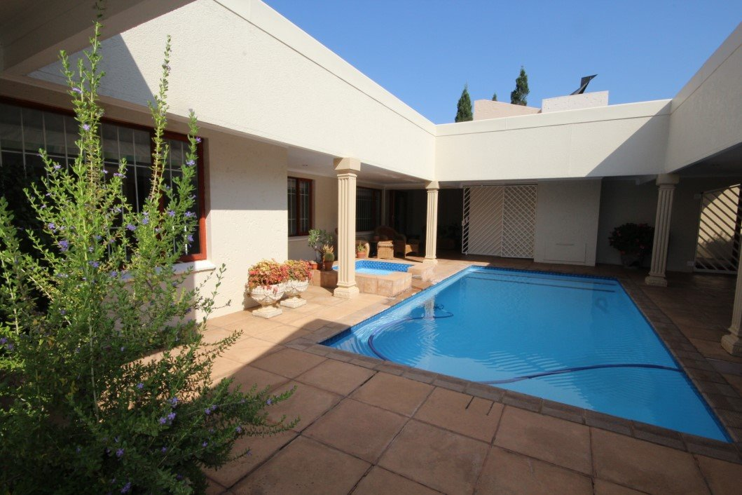 Three Rivers Proper property for sale. Ref No: 13338644. Picture no 1
