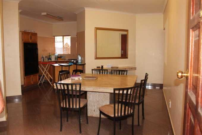Theresapark property for sale. Ref No: 13507044. Picture no 8