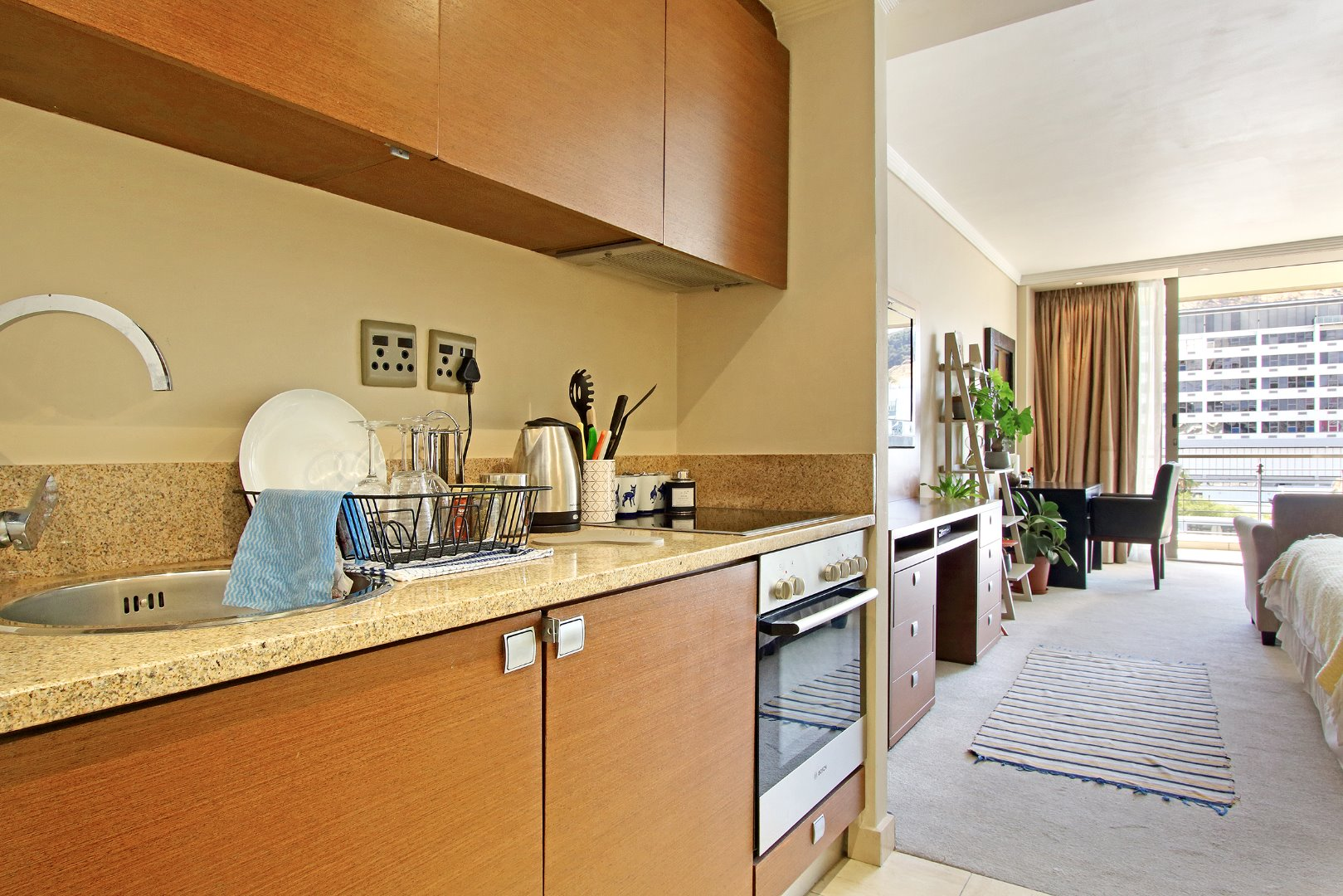 Cape Town City Centre property for sale. Ref No: 13715960. Picture no 6