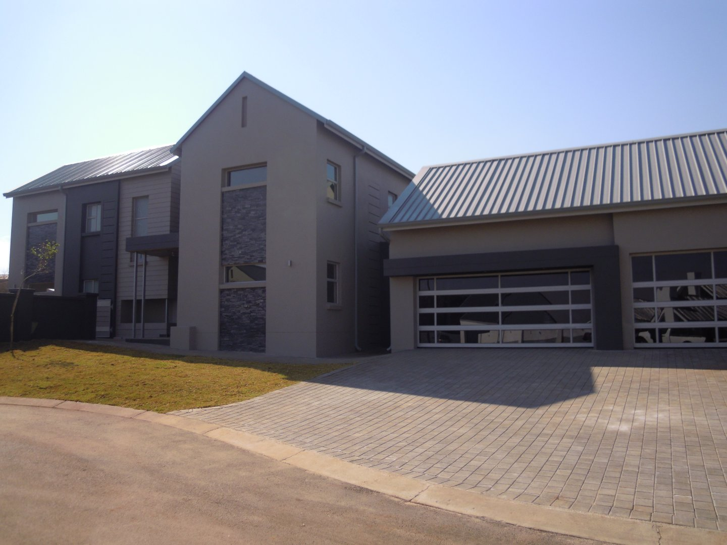 Property and Houses for sale in Midstream Ridge Estate, House, 4 Bedrooms - ZAR 5,720,000