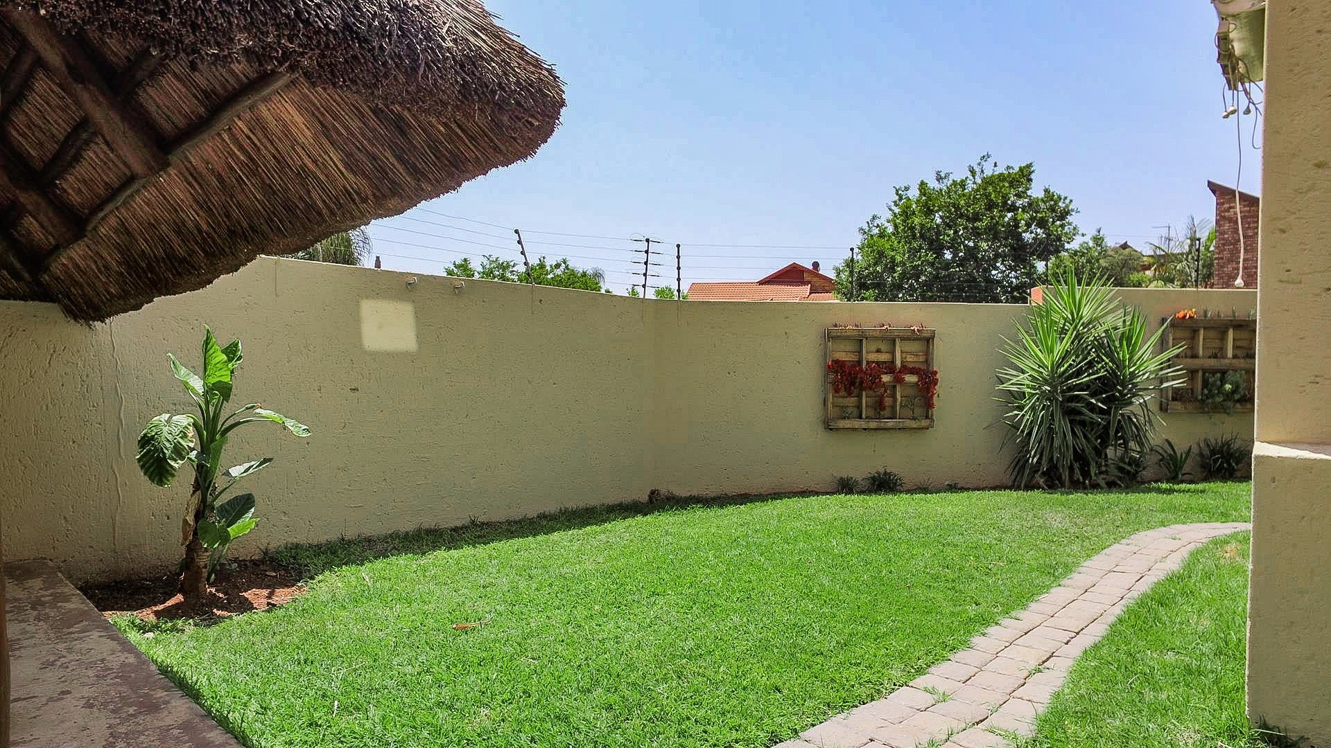 Highveld property for sale. Ref No: 13541901. Picture no 30
