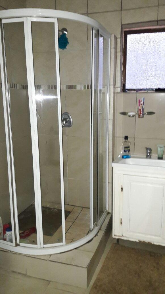 Brackenham property for sale. Ref No: 13387038. Picture no 7