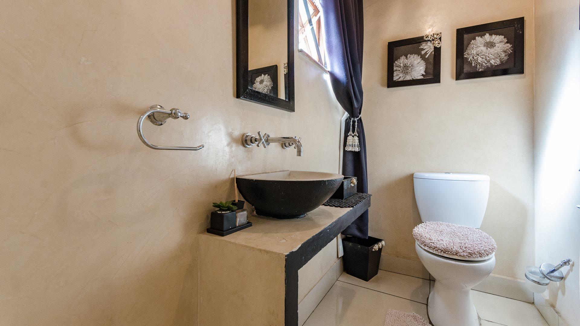 Houghton Estate property for sale. Ref No: 13527223. Picture no 13