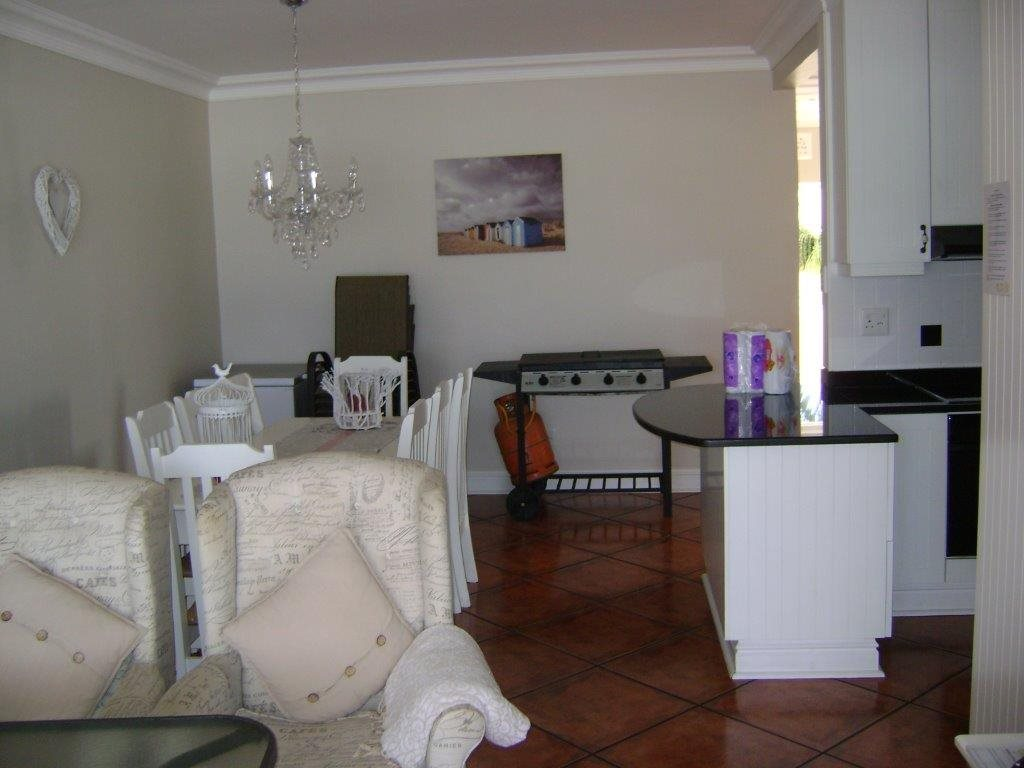 Uvongo property for sale. Ref No: 12795815. Picture no 7