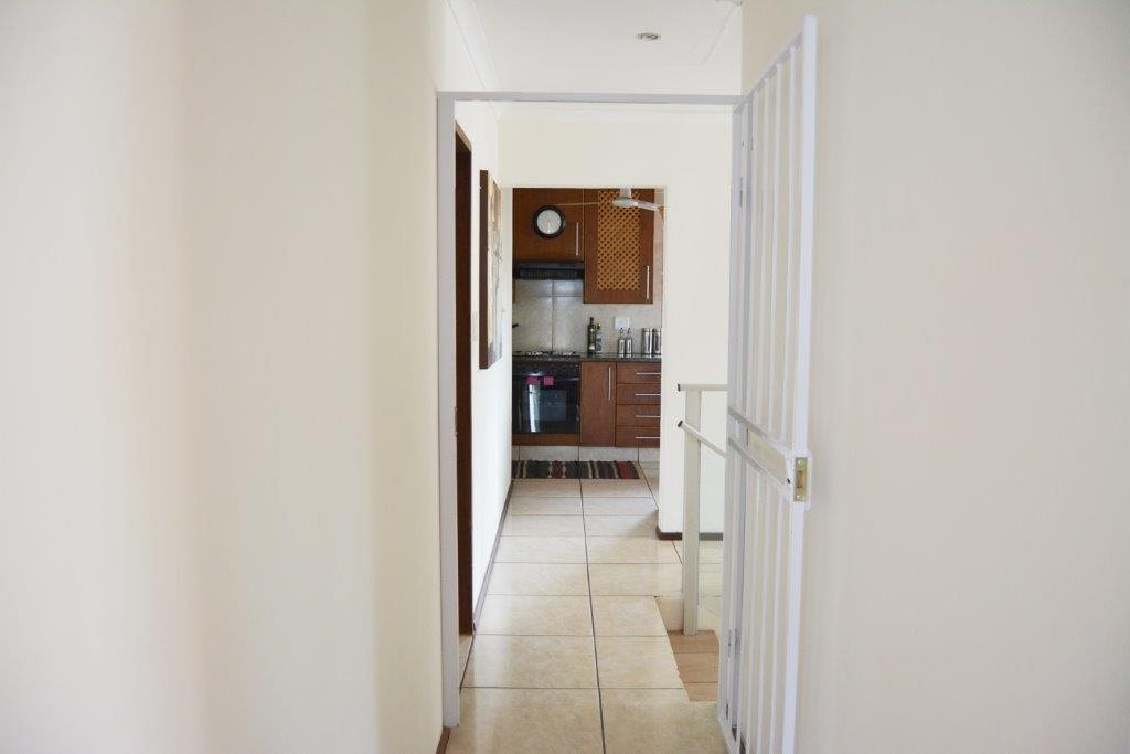 Margate property for sale. Ref No: 12779071. Picture no 21