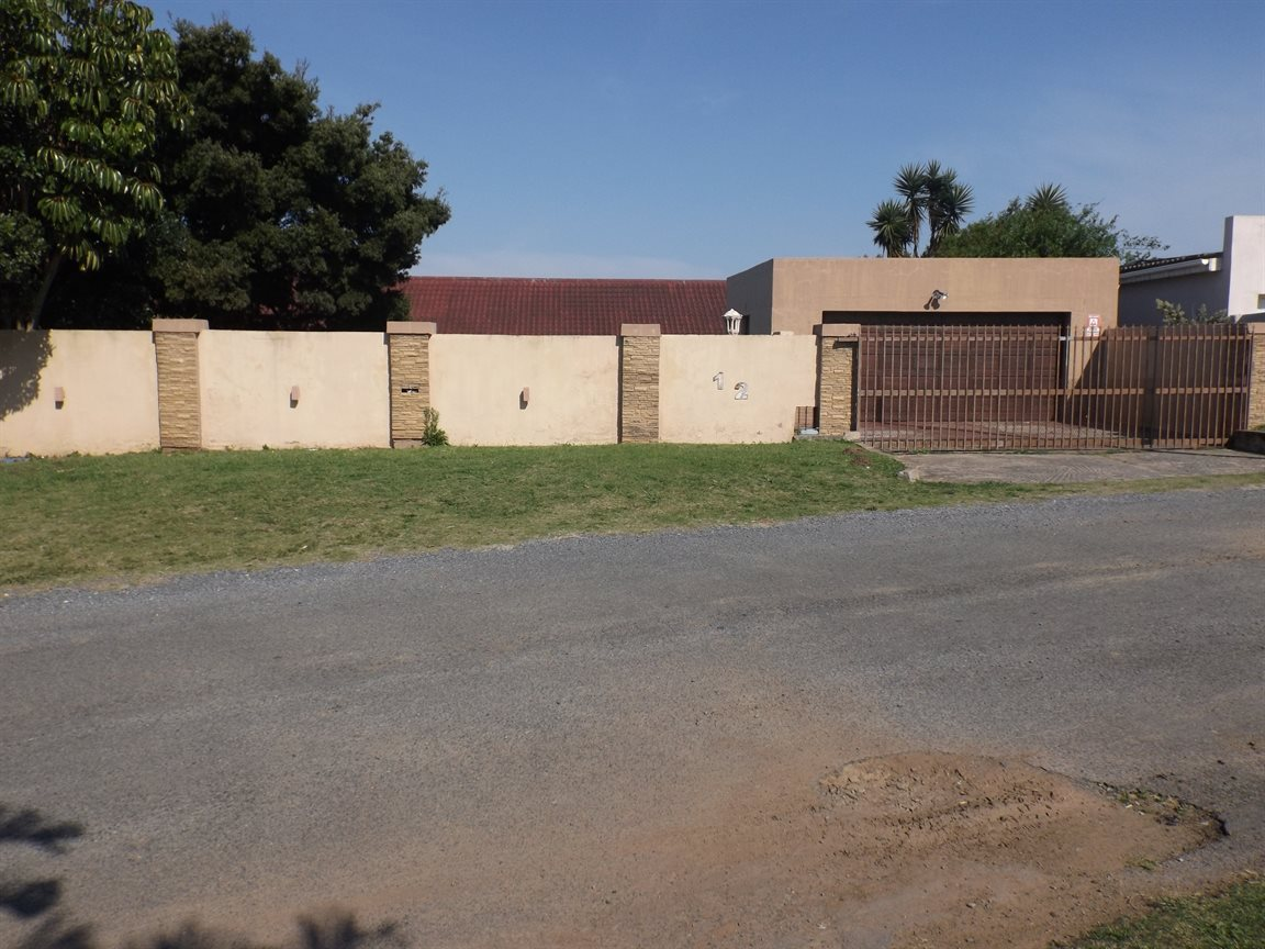 Gonubie property for sale. Ref No: 13380433. Picture no 7